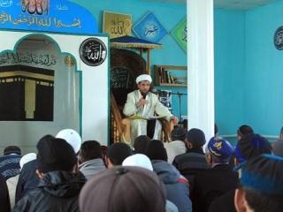Мусульмане Алтая просят президента Путина защитить имама Сватова