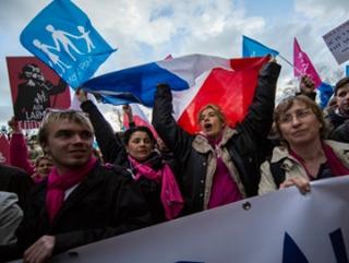 Французы возмущены действиями властей