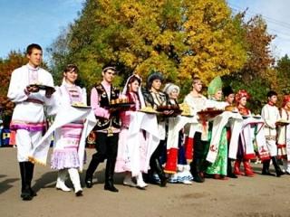 Представителей национальных организаций Свердловской области научили искать информацию о себе и своем народе