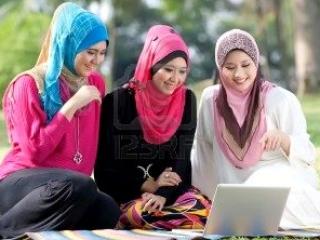 Лэптоп помогает в  исламской учебе