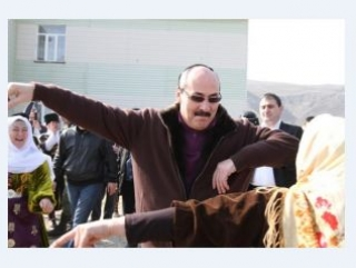 Глава Дагестана не против ношения платков в школе