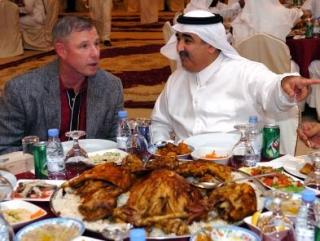 Ифтар в Катаре. Из-за стола в больницу