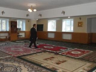Внутри мечети п. Белореченский, которую суд постановил снести