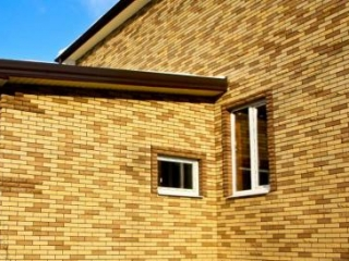 Фасадный и облицовочный кирпич: их преимущества