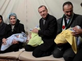 Эрдоган призвал турчанок рожать минимум троих