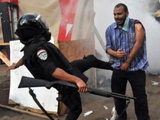 ЕС прекращает поставки оружия Египту