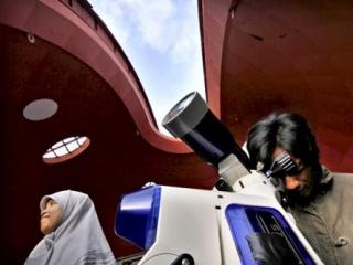 Мусульмане Индонезии устали от споров по  началу и концу  поста