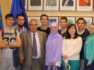 Мэр Таллина встретил татарскую молодежь
