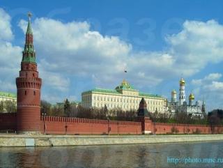 Жириновский предложил выселить руководство РФ из Кремля