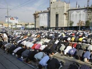 Советник РПЦ послал мусульман в мэрию
