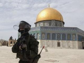 Израильские войска окружили мечеть аль-Акса