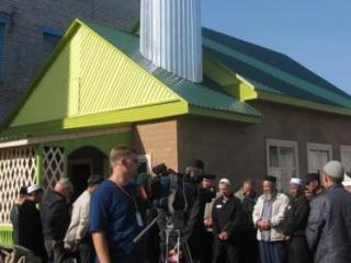 Мечеть расчитана на 40 человек