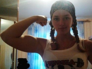 Дама с гантелями: кому нужны «сильные женщины»