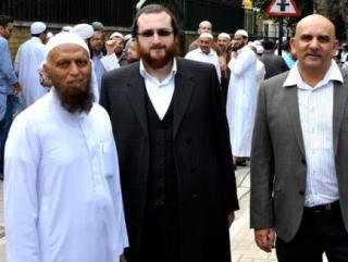 Лондонские мечети охраняют ультраортодоксальные иудеи