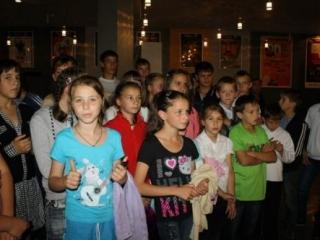 Кавказская молодежь устроила сиротам праздник