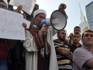 Власти Грузии призвали мусульман получить разрешение на минарет