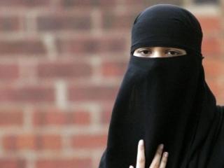 Крупнейший колледж Великобритании отменил запрет на никаб