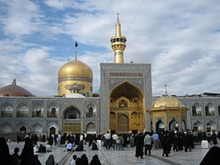 Молодой поляк принял ислам в иранском городе Мешхед