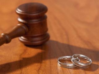 С разводами будут бороться рублем