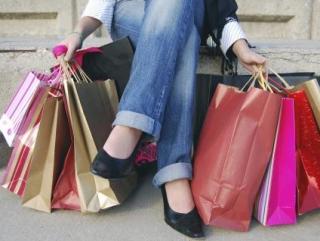 Ученые объяснили страсть к шоппингу страхом смерти