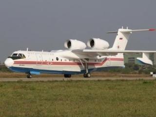 Самолет МЧС эвакуировал сотрудников дипмиссии РФ в Триполи