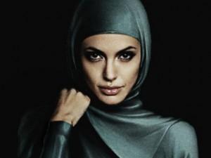 Джемаль: Хиджаб повышает сексуальное напряжение