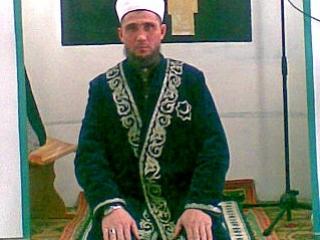 Против присутствия тюбетейки на голове имама в Онгудайском суде не стали возражать
