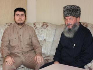 Магомед Албогачиев и Мухаммад Рахимов. Фото: ДУМ СК
