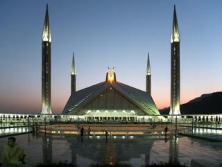 Исламский модернизм, в стиле которого построена мечеть Исламабада, пока не добрался до России