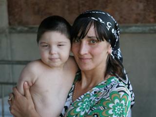 Малыш Сулейман сможет пройти реабилитацию в числе других детей с ограниченными возможностями (Фото: Kavkaz-uzel.ru)