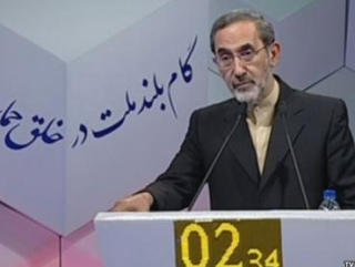 Али Акбар Велаяти, бывший главой МИД ИРИ в 1980-1997гг считается приближеным к самому вышему руководству исламской республики
