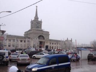 Вокзал оцеплен, на месте работают следователи и оперативники (Фото: Никита Барышев)
