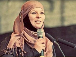 Лорен Бут готовит иск против арабского телеканала