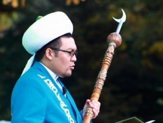 Глава ДУМ Кыргызстана подал в отставку после интимного видео
