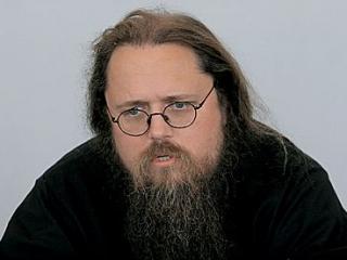 Андрей Кураев начал кампанию за «дезинфекцию» церковных рядов