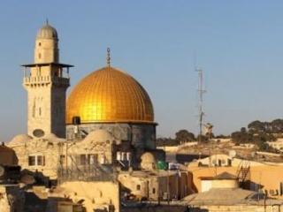 Много перепитий, в том числе и религиозных, пережил аль-Кудс-Иерусалим. Но визуальным символом города был и остается золотой купол мечети Куббат ас-Сахра