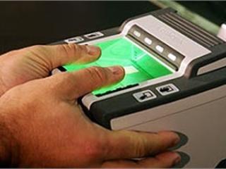 У иностранцев снимут отпечатки пальцев при въезде в РФ