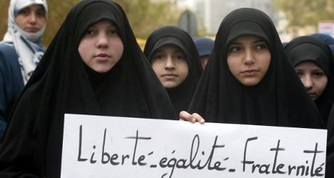 Лозунг французской революции « Свобода, Равенство, Братство», судя по всему, «споткнулся о хиджаб»