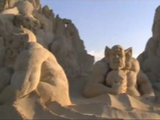 Песочные чудовища обеспокоили религиозные круги Кувейта (видео)