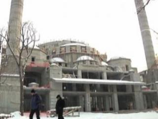 На строительстве мечети в Бишкеке