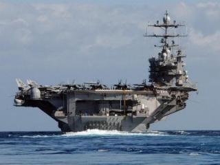 США стягивают к Крыму военный флот