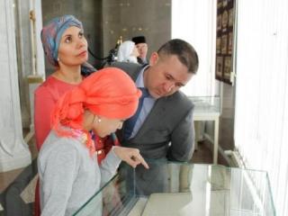 В Казани открылась выставка первой женщины-шариатской судьи