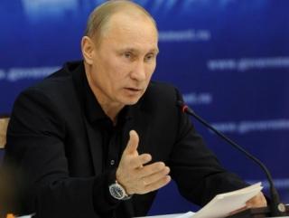 Путин пообещал защищать крымских татар от беззакония