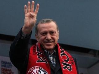 Жестом «рабиаа» Эрдоган демонстрирует уверенность в победе