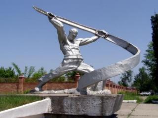 Грозный. Памятник пожарным, погибшим в годы Великой Отечественной войны