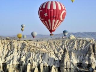 Полеты на воздушных шарах в Каппадокии -популярный у туристов аттракцион