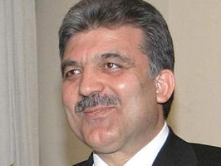 Абдулла Гюль критически относится к  запрету социальных сетей