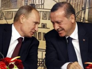 Путин поздравил турецкого премьера с убедительной победой