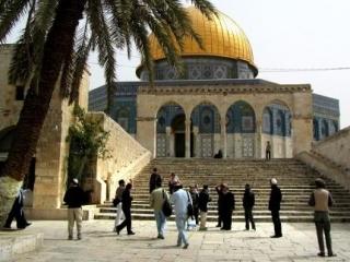 Незваные гости на территории Аль-Аксы