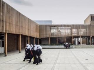 15 школ с «исламистскими заговорами» превратились в 25
